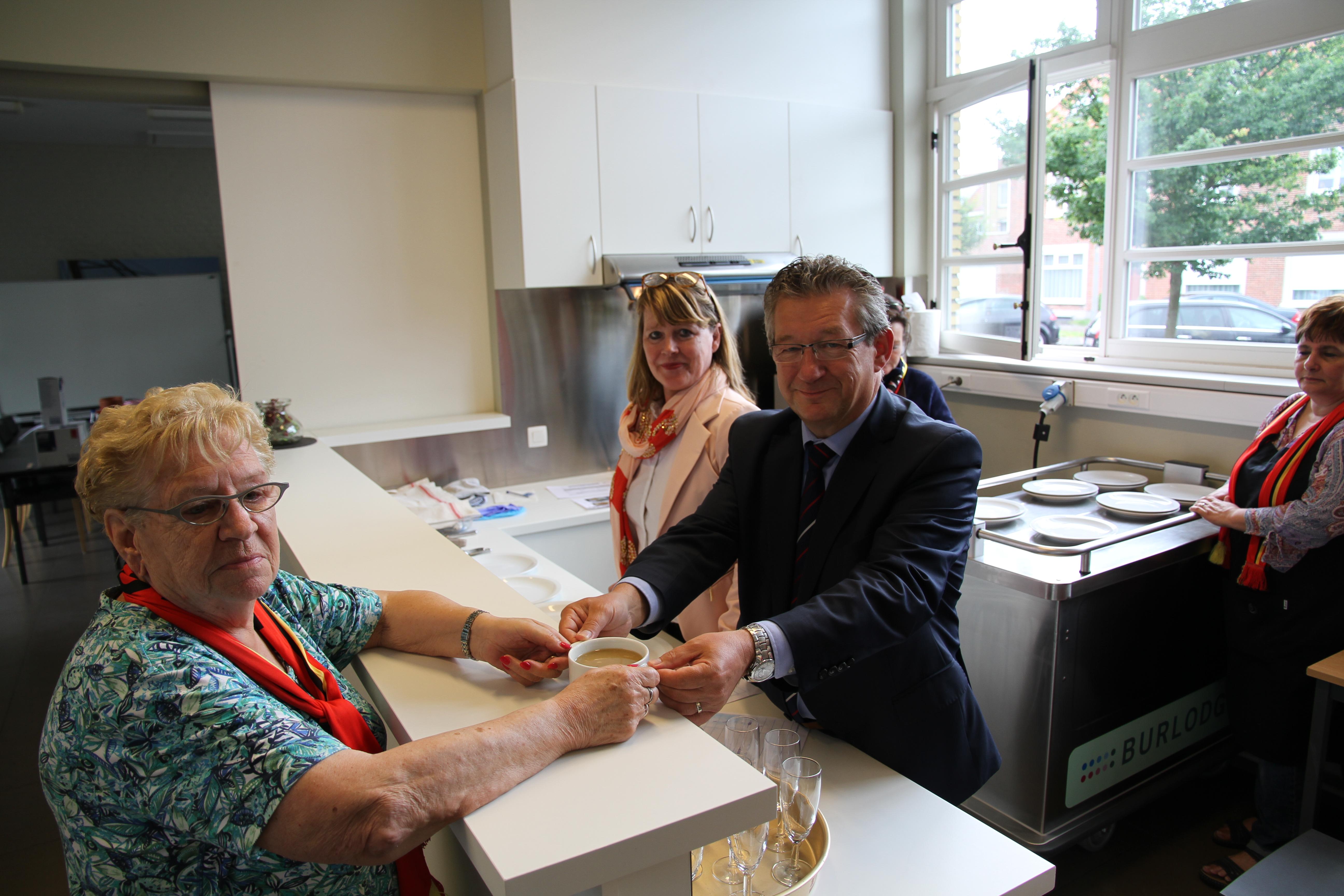 Vernieuwde keuken voor d oude stoasie nieuws - Oude foto keuken ...